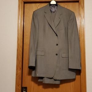 Daniel Cremieux Men's suit by Dillard's-NWOT